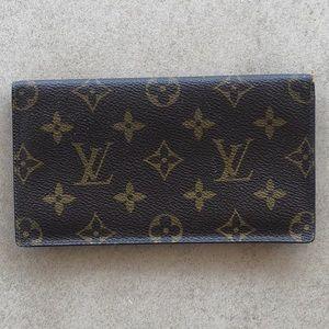 Louis Vuitton Malletier Checkbook Cover